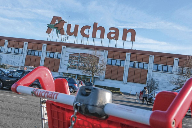 Auchan s'allège encore