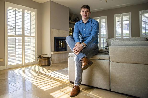Makelaar Sergej Serebrennikov: 'Emmanuel Dennis is geen slechte jongen, eerder een beetje speciaal'