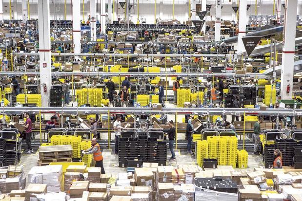 VP Amazon neemt ontslag uit protest tegen werkomstandigheden magazijniers