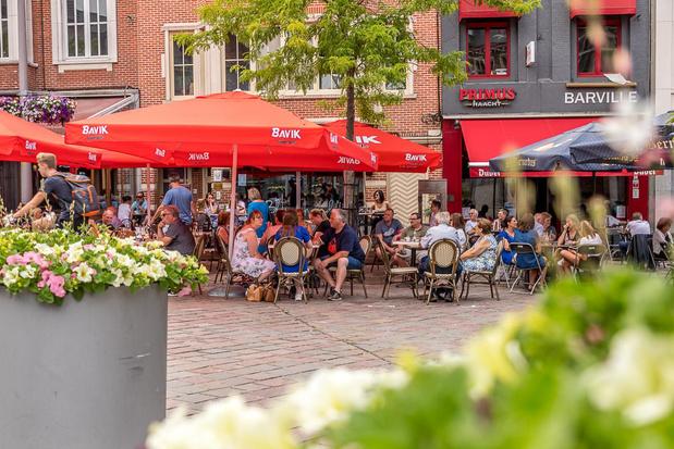 Marktterrassen mogen tot eind dit jaar blijven staan in Tielt