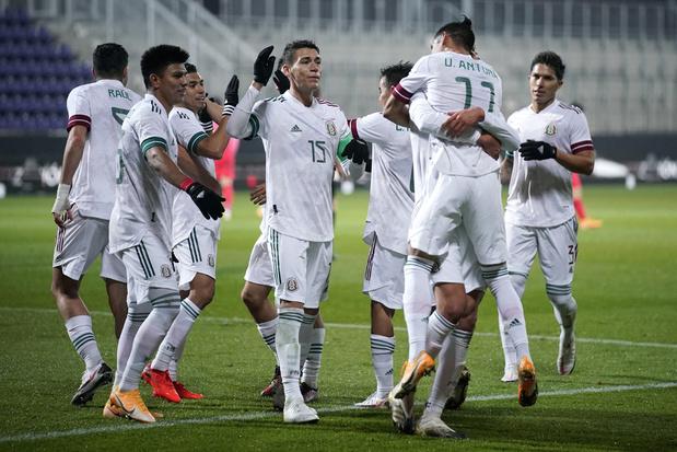 Video: Mexico scoort drie keer in drie minuten tegen Zuid-Korea