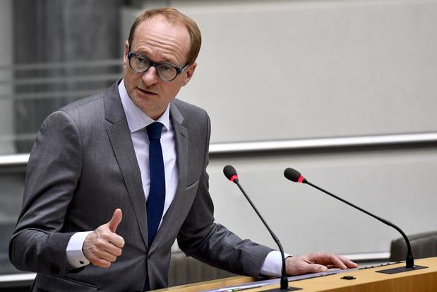 Experts kritisch voor taaladvies Ben Weyts: 'Het heeft geen enkele zin om ouders gebroken Nederlands te laten spreken'