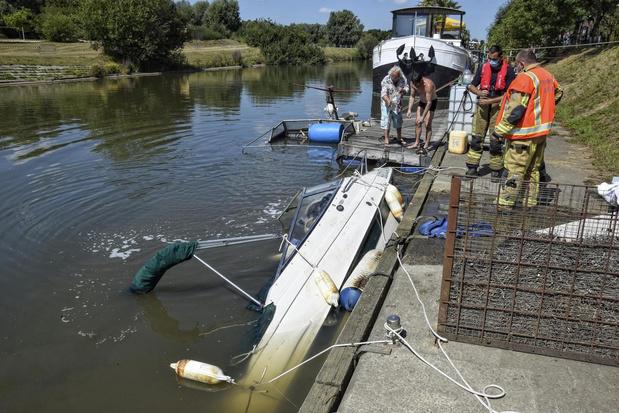 Twee boten gezonken in Leie, wellicht door te snel varend vrachtschip