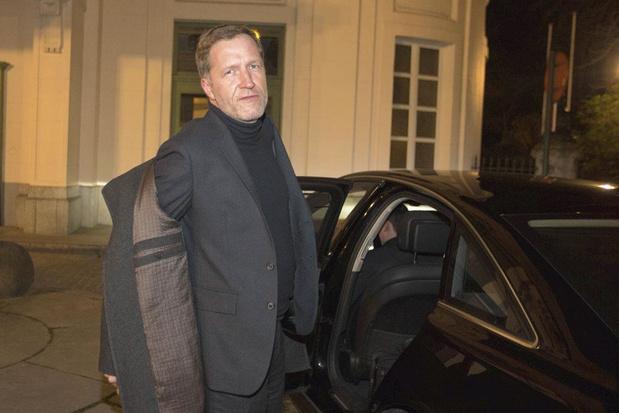 L'étoile rouge se dégrade : Paul Magnette a-t-il perdu la confiance de son parti ?