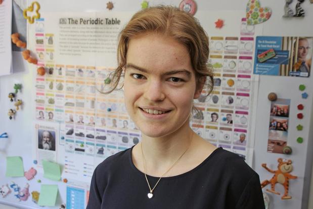 Anne-Sophie behaalt zilver op Vlaamse Chemie Olympiade en mag ons land vertegenwoordigen
