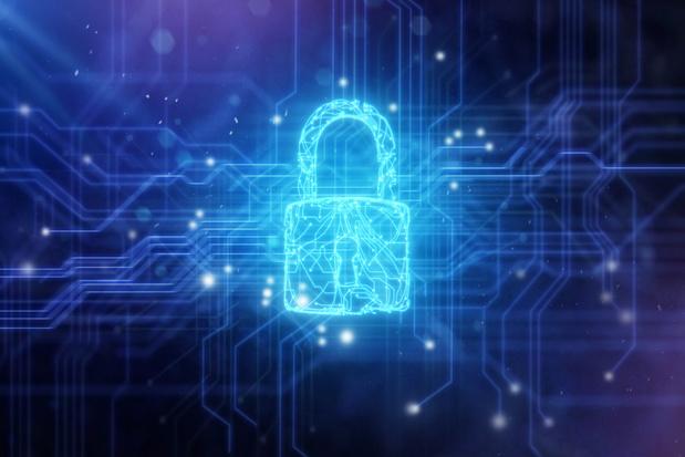 Veiligheidsdiensten scheuren hun broek aan dure 'supersoftware'