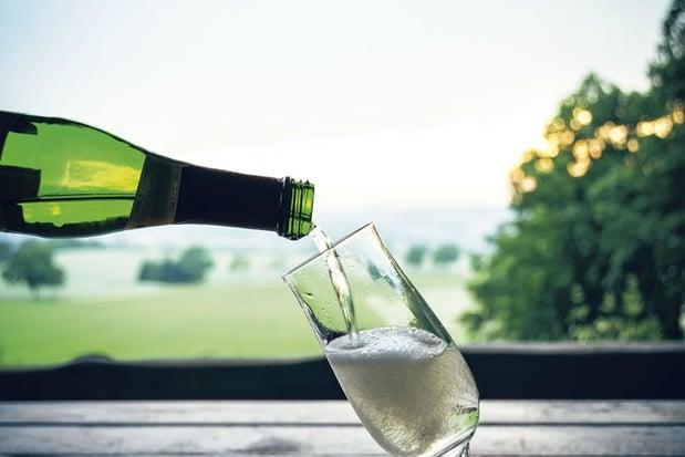 Le vin mousseux allemand, une alternative de qualité au Champagne français