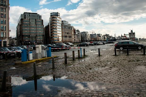 'We hebben nood aan slimme parkeernormen tegen de tsunami aan geparkeerde wagens'