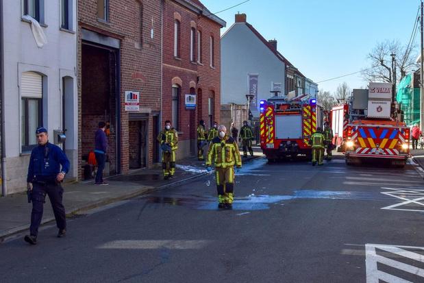 Grote materiële schade na brand in loods in Beveren-Leie