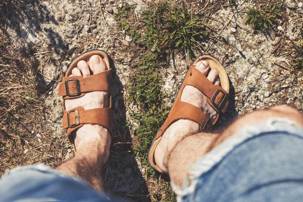 'Er is veel schoonheid in de wereld, maar daartoe behoren niet uit sandalen krullende mannentenen'