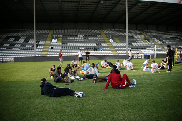 Spelers, trainers en medewerkers KSV Roeselare worden ontslagen