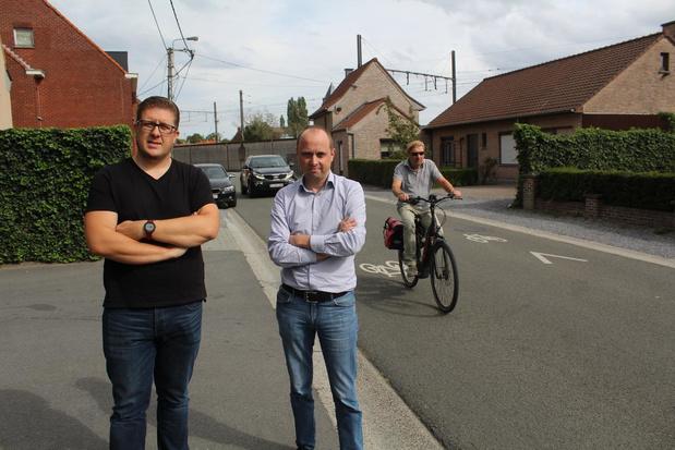 """""""Kwart van automobilisten blijft inhalen in fietsstraten, meer controle nodig"""""""