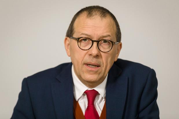 Zwitsers bedrijf kondigt strafklacht aan tegen Luc Tack (video)