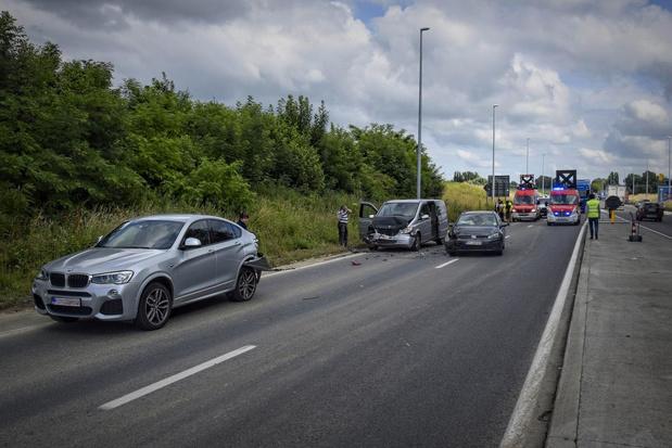 Verkeershinder na kop-staartaanrijding in Rekkem