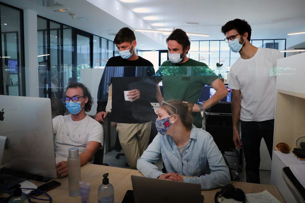 """Le masque va être """"systématisé"""" dans les entreprises en France"""