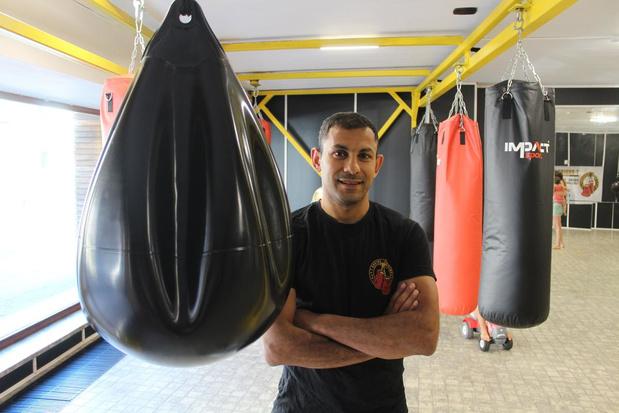 Ex-wereldkampioen Islam Teffahi opent boksclub in voormalige kruidenierswinkel