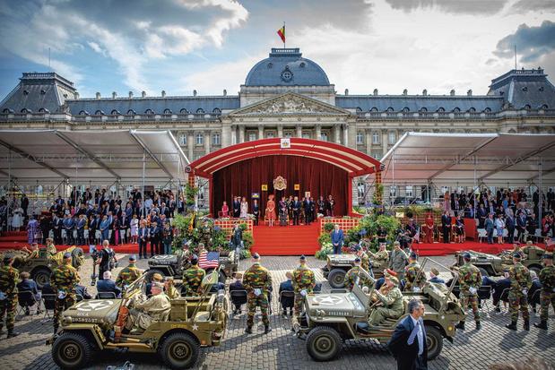 """21 juillet: retour du défilé militaire et une Fête nationale dédiée aux """"héros du corona"""""""