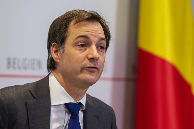 Herbekijk Overlegcomité: Versoepelen maar 'rijden en omkijken', hopen dat 'het origineel Belgisch model' werkt