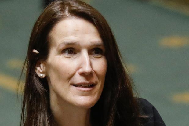 Regering bekijkt mogelijke opvordering zorgpersoneel; asielzoekers krijgen toegang tot arbeidsmarkt