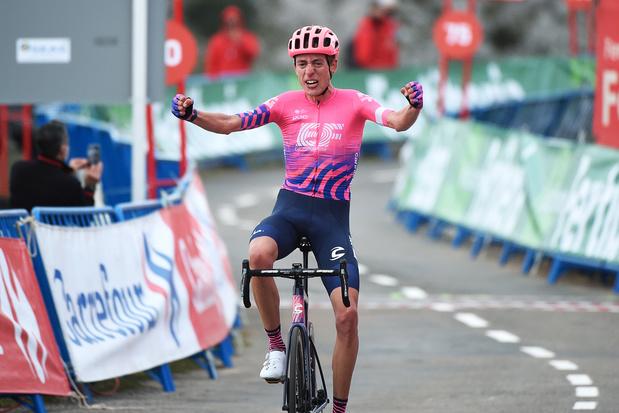 Vuelta: Hugh Carty wint solo op beruchte Angliru, Richard Carapaz wordt leider