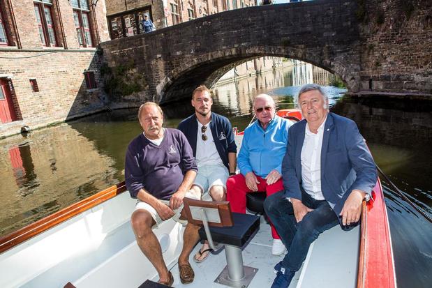 Rederij Venetië van het Noorden neemt elektrisch toeristenbootje in gebruik