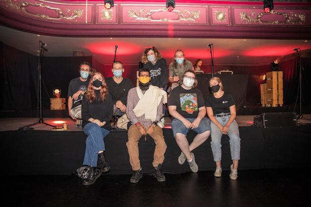Loeke Vanhouttegem winnares van West-Vlaams kampioenschap Slam Poetry in Kortrijk