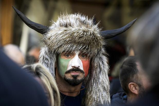Betogers tegen coronamaatregelen clashen met ordediensten in Rome