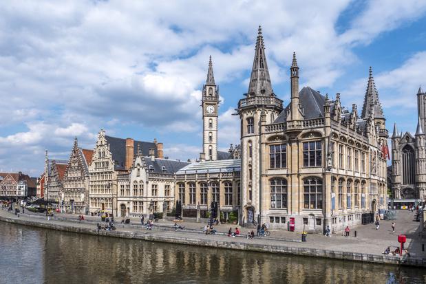 Gent reserveert 4 kilometer straat langs het water voor wandelaars en fietsers