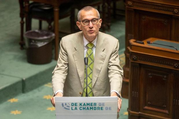 Certaines libertés des non-vaccinés peuvent être restreintes, estime Frank Vandenbroucke en désaccord avec G-L Bouchez