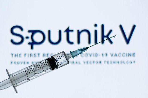 La Commission européenne ouverte sous conditions aux vaccins russe et chinois