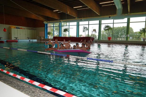Boordstenen zwembad Ter Borcht voorlopig niet hersteld