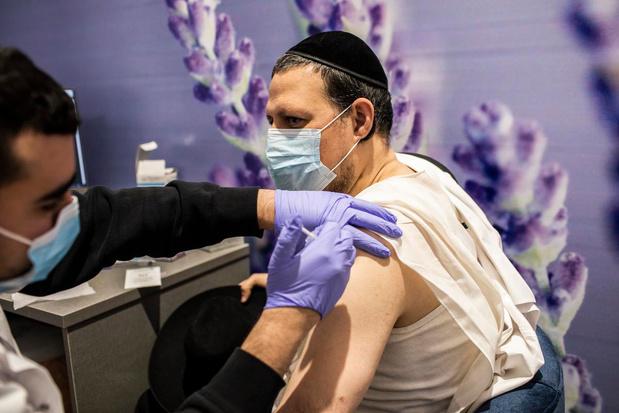 """Deux millions d'Israéliens ont déjà reçu la première dose de vaccin covid : """"Il est efficace même chez les âgés"""""""