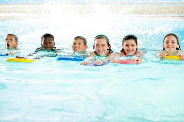 Stad Harelbeke investeert fors in schoolzwemmen