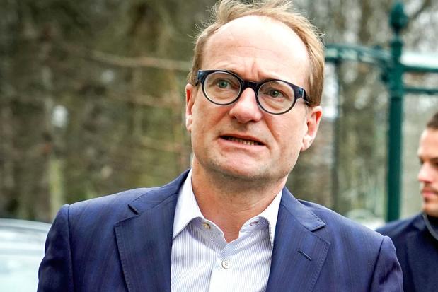 'Alsof premier Kristof Calvo een kerncentrale bouwt': Vlaamse beweging viseert onderwijsdecreet Ben Weyts