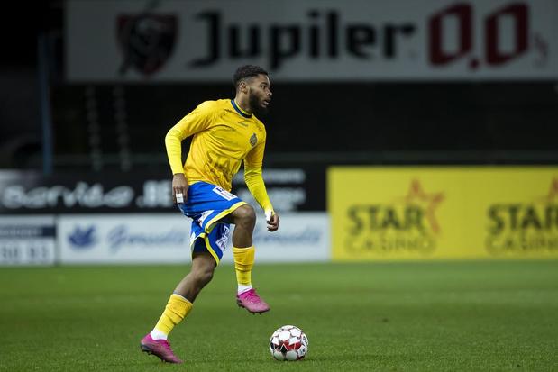 Beni Badibanga (W-Beveren) leerde al vroeg de zakelijke kant van het voetbal kennen: 'Op mijn 19 dacht ik aan stoppen'