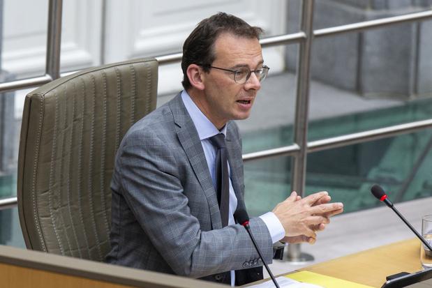 Minister Beke te vinden voor adoptiepauze om ingrijpende hervorming door te voeren