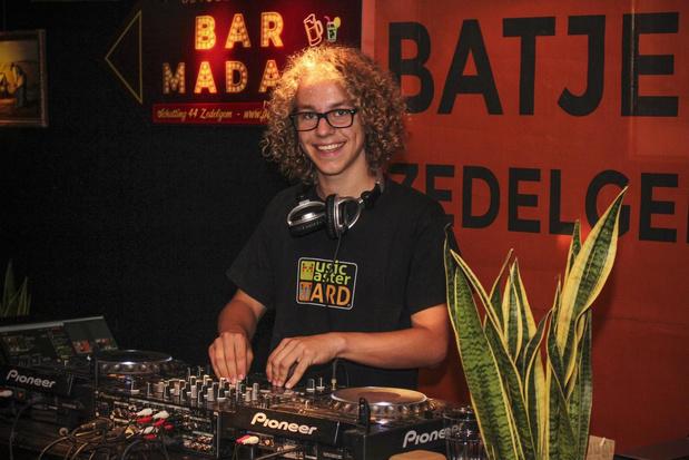 MusicMaster Ward (16) scoort met knappe livestream tijdens Batjes