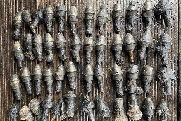 Magneetvissers vinden weer 63 explosieven in vijver in 't Bosje Oostende