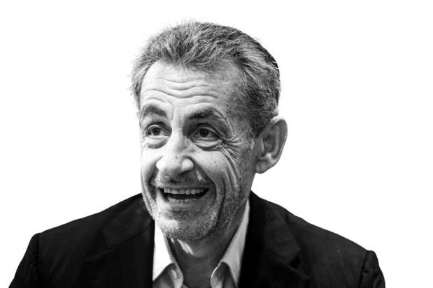 Nicolas Sarkozy - Krijgt een enkelband