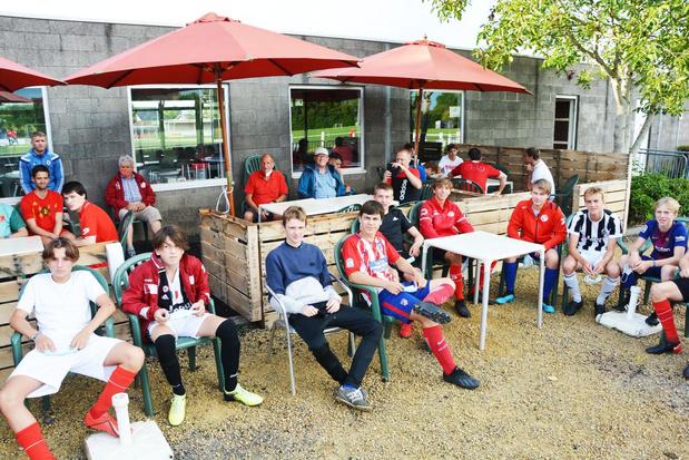 """Voetbalclubs uit de regio loodsen zich door moeilijke coronaperiode: """"Overleven is voor iedereen moeilijk"""""""