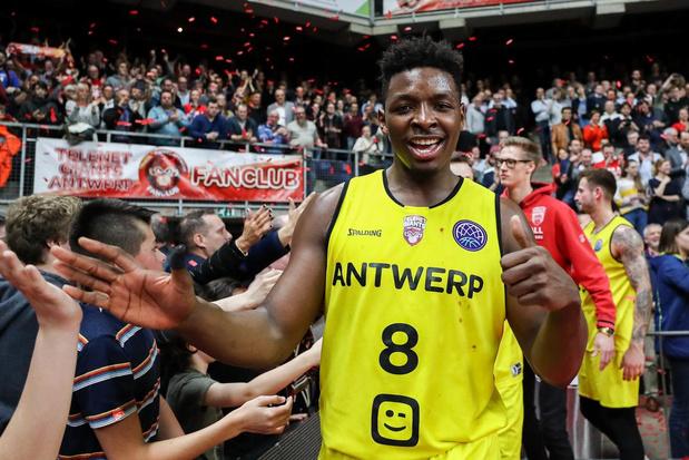 Ex-speler van Antwerp Giants bezingt liefde voor multicultureel België