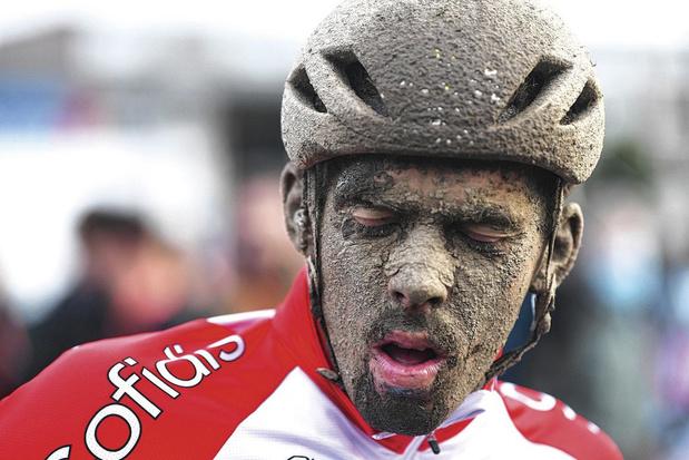 C'est beau comme des cyclistes couverts de boue (chronique)