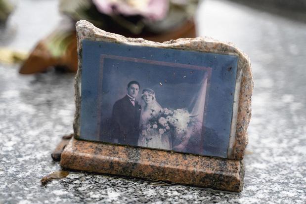 """Une sacrée paire de morts: """"l'existence d'une mère ou d'une grand-mère raccourcie à une 'femme de'"""""""