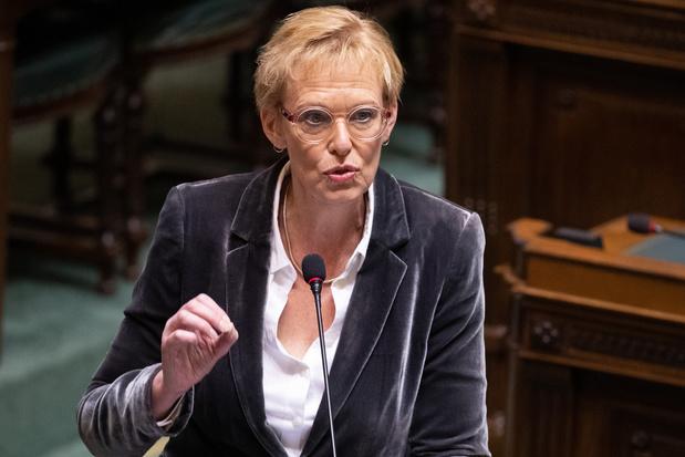 Pensioenplannen Karine Lalieux (PS) roepen vragen op bij oppositie én eigen meerderheid