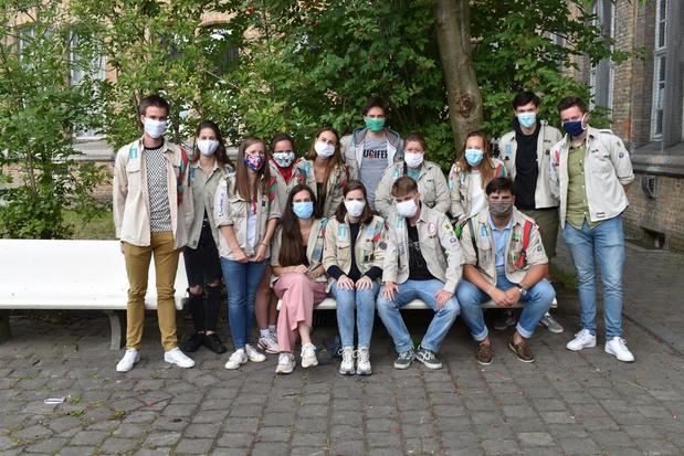 """Scouts Ieper houden zich aan coronaregels: """"Sjorpalen ontsmetten en logboek bijhouden"""""""