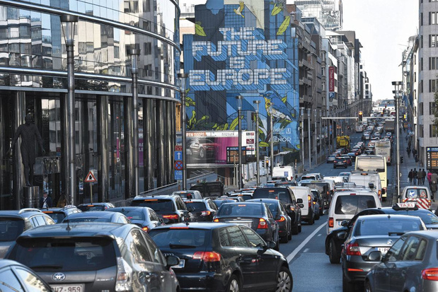 """Taxe """"antibouchons"""" en région bruxelloise: vers """"une mobilité apaisée""""? (débat)"""