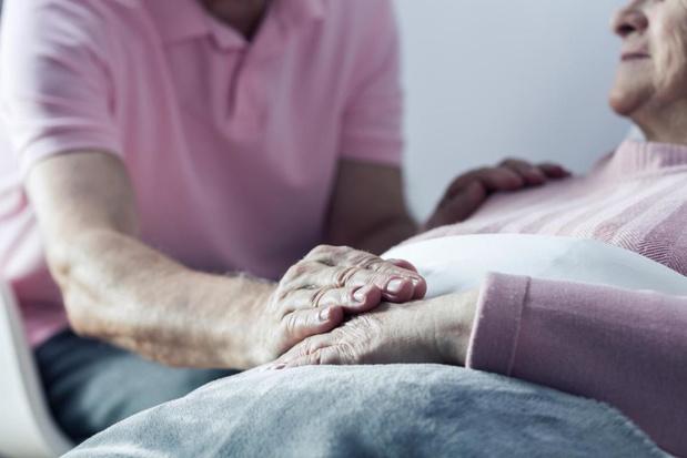 Zwakste rusthuisbewoners met corona gaan niet naar ziekenhuis