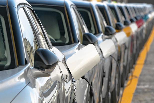 Quand y aura-t-il plus de voitures électriques que de voitures classiques sur nos routes ?