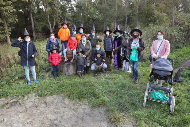 Stad Torhout lanceert drie mooie wandelbrochures met Heksenpad voor kinderen