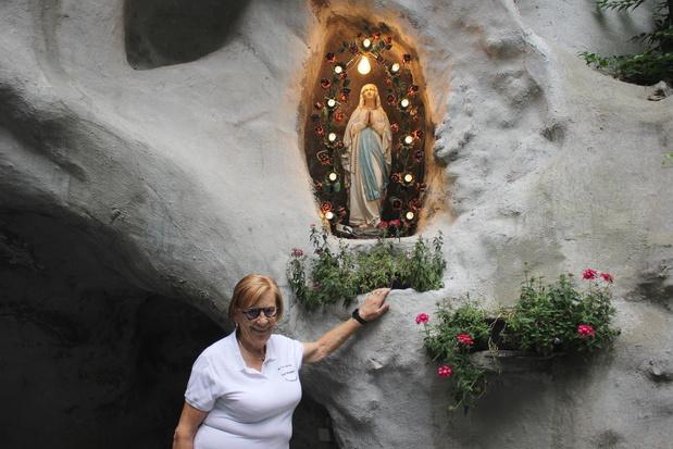 Lisa del Bo zingt twee keer aan de Lourdesgrot